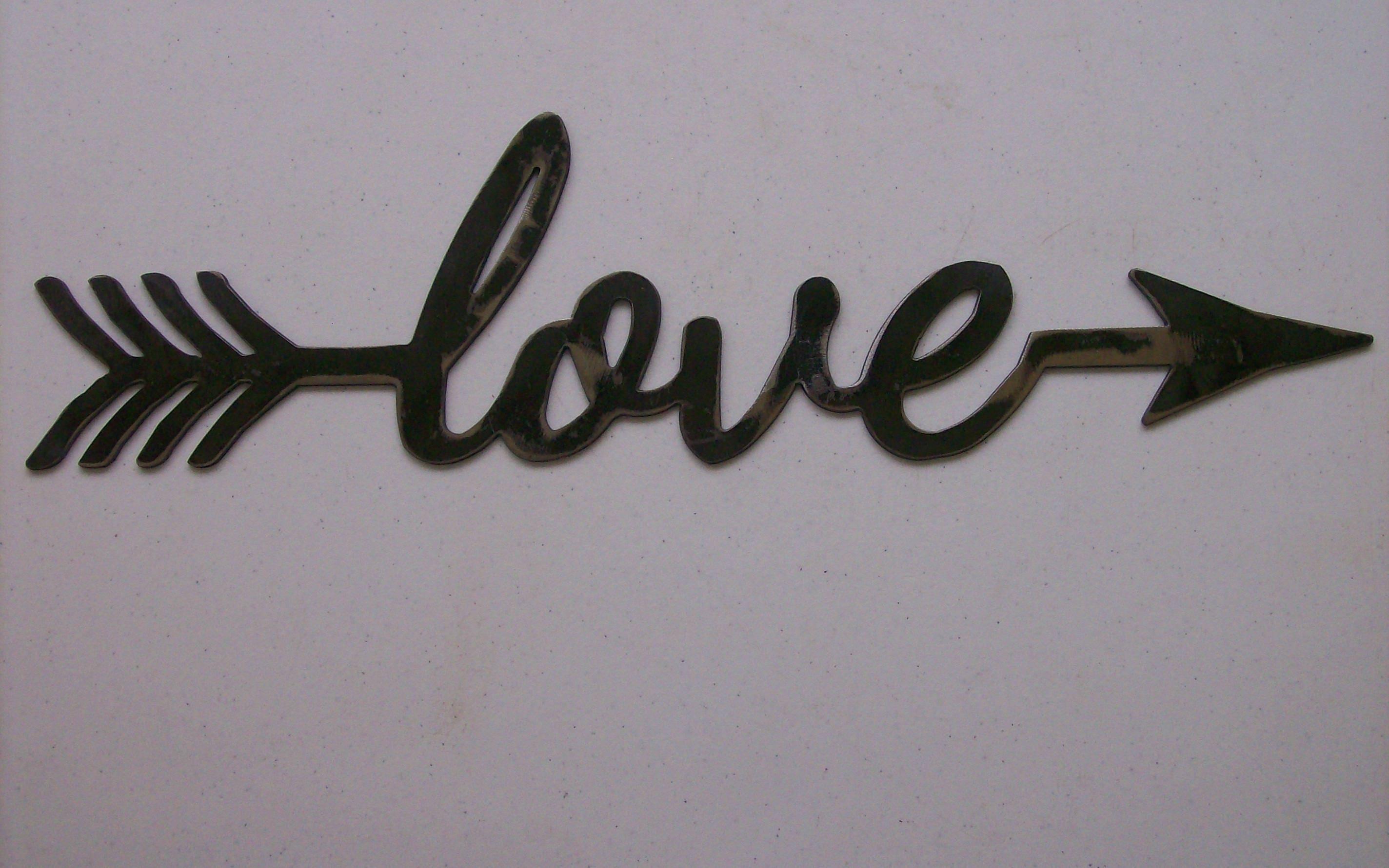 Love Struck, Love with an arrow Sign