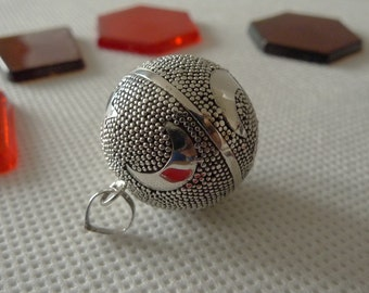Mexican Bola Crescent Moon /& Stars 925 Sterling Silver Harmony Ball Angel Caller Pendant 20mm SilverandSoulDesigns Jewellery