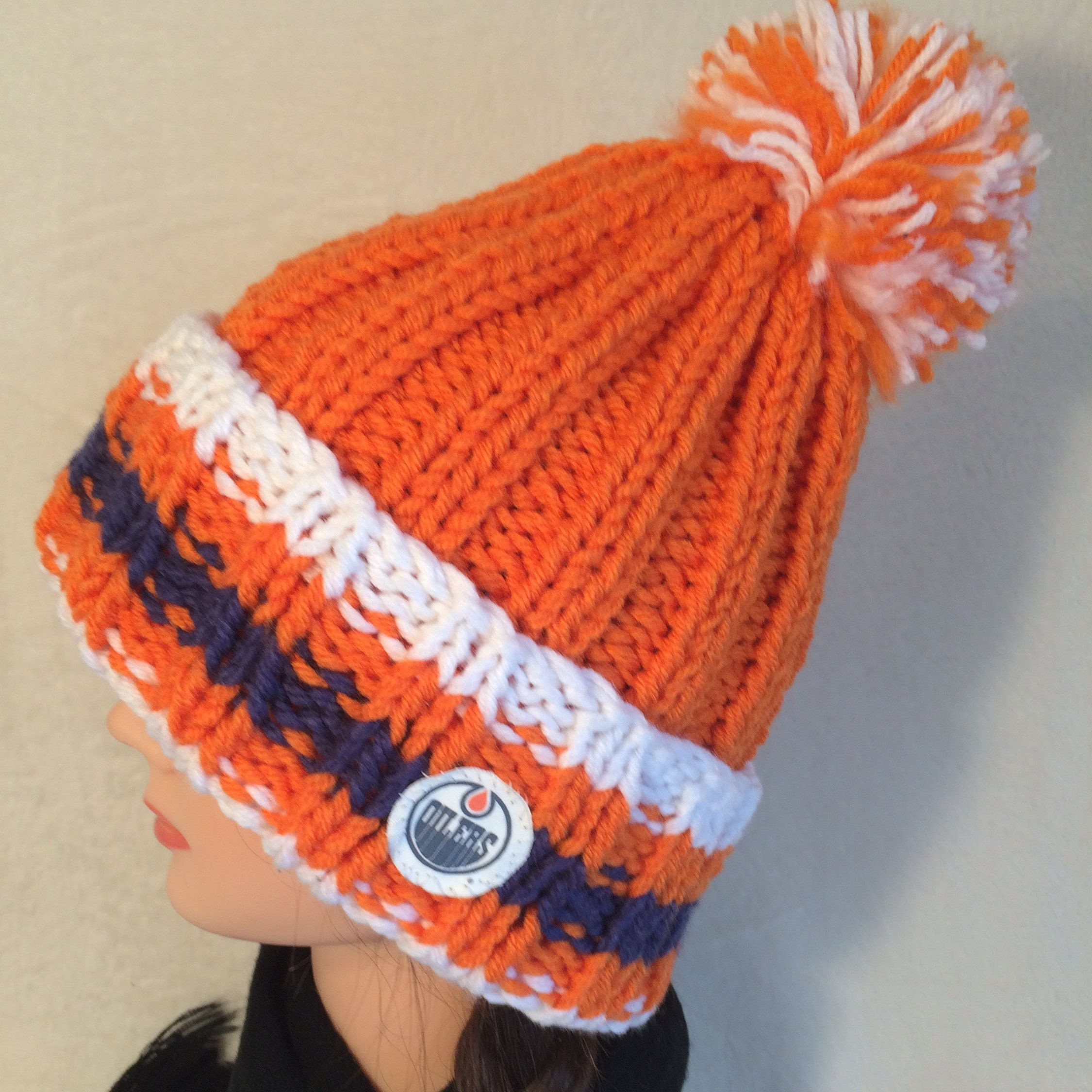 Edmonton Oilers hat Hockey hat Chunky knit hat Hand knit  f4703d6cdd4