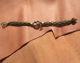 Om bracelet / green macramé