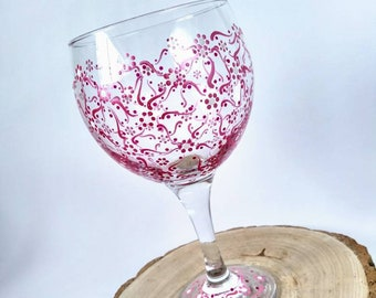 06b6f77f37a Painted wine glass