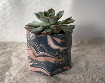 READY MADE | Marbled plant pot | geometric planter