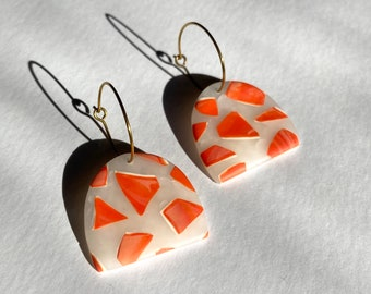 READY MADE |  Arch earrings with marbled chips