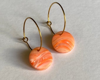 READY MADE |  Simple small hoop earrings with marbled coral drops