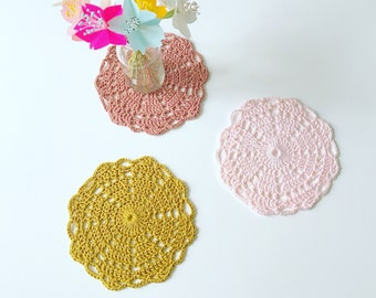 Set of 3 crocheted doilies