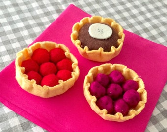 "Collectible felt ""My little pastries"" set of 3 tarts (chocolate, raspberries, cherries)"