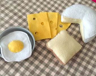 "Collectible felt ""Sunday Brunch"" (egg, cheese slice, pie, bread)"