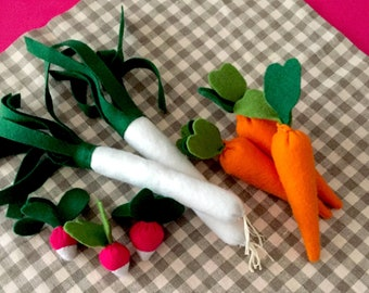 "Collectible felt ""Vegetables on the market"" (leek, radish, carrots) / imitation toy"