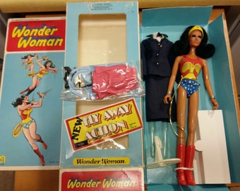 1976 Mego Wonder Woman Fly-Away Action, PERFECT Hair, 3 Outfits and Original Box