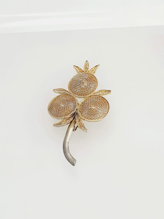 Vintage 1930s Rounded Gold Plated Brooche Engraving Brooche Gold Pin