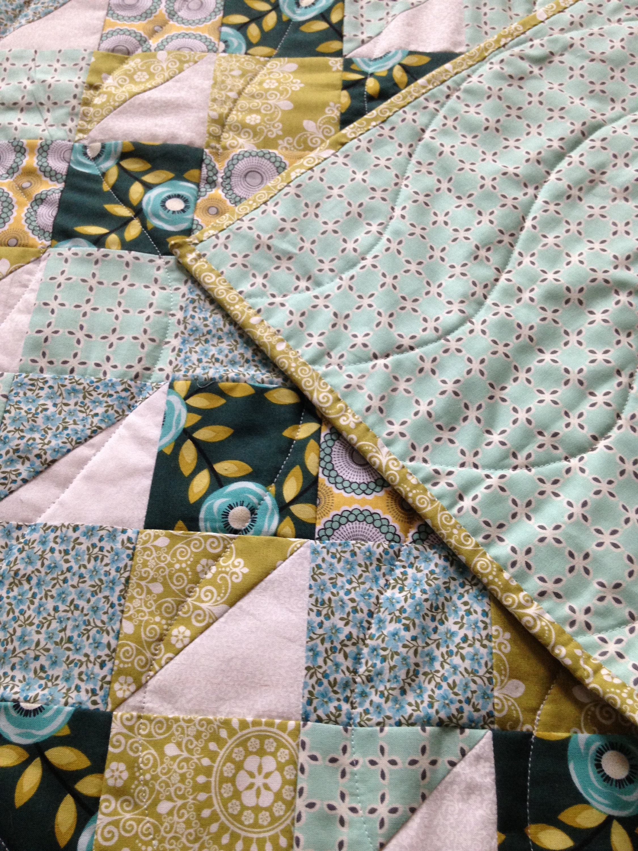 Sarcelle et Chartreuse Floral Baby/Toddler Quilt
