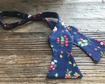 Frida Androgynous Bow Tie