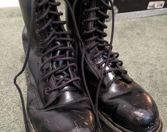 b82f62fdc3f8 Rare Vintage Steel Toe Platform Doc Martens. 10 eyelets. Used.