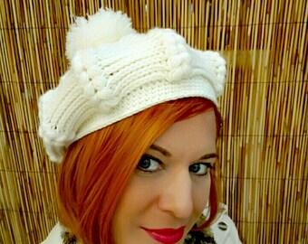 e2133c5626c07 white beret with pompom