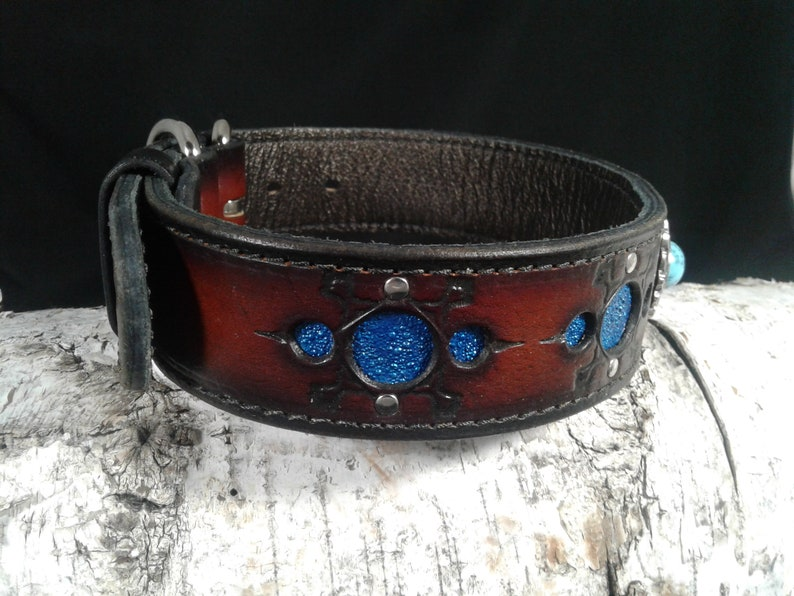 3-D Blue Multiple layer collar w FeatherShield concho