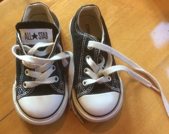 7e1bb7a808775 Vintage Converse All Star enfant taille 7