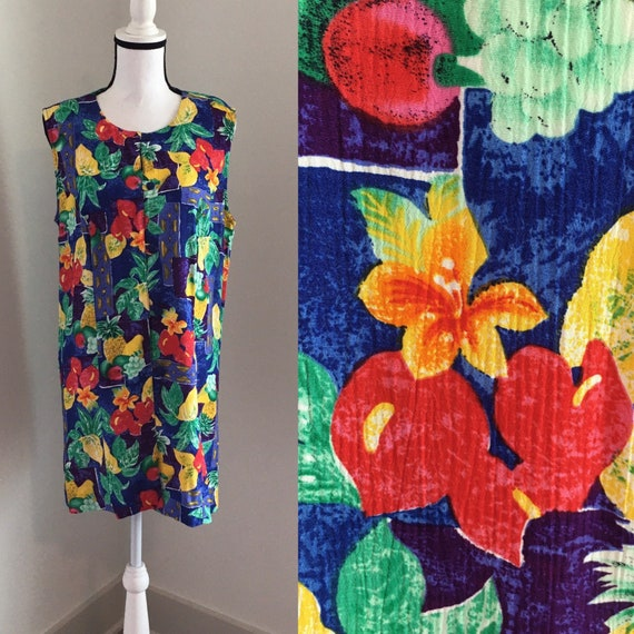 large size long tunic blouse with padded shoulders Vintage floral viscose blouse