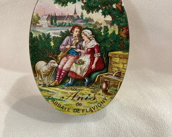 Vintage French Candypill box