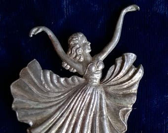 1950s brooch, ballet dancer arms flowing, skirt furling, on points, figural brooch, pin, silver metal C clasp