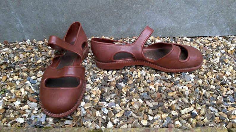 cbd6b01aa159 Brown rubber jelly fisherman sandals rare vintage 1950s or