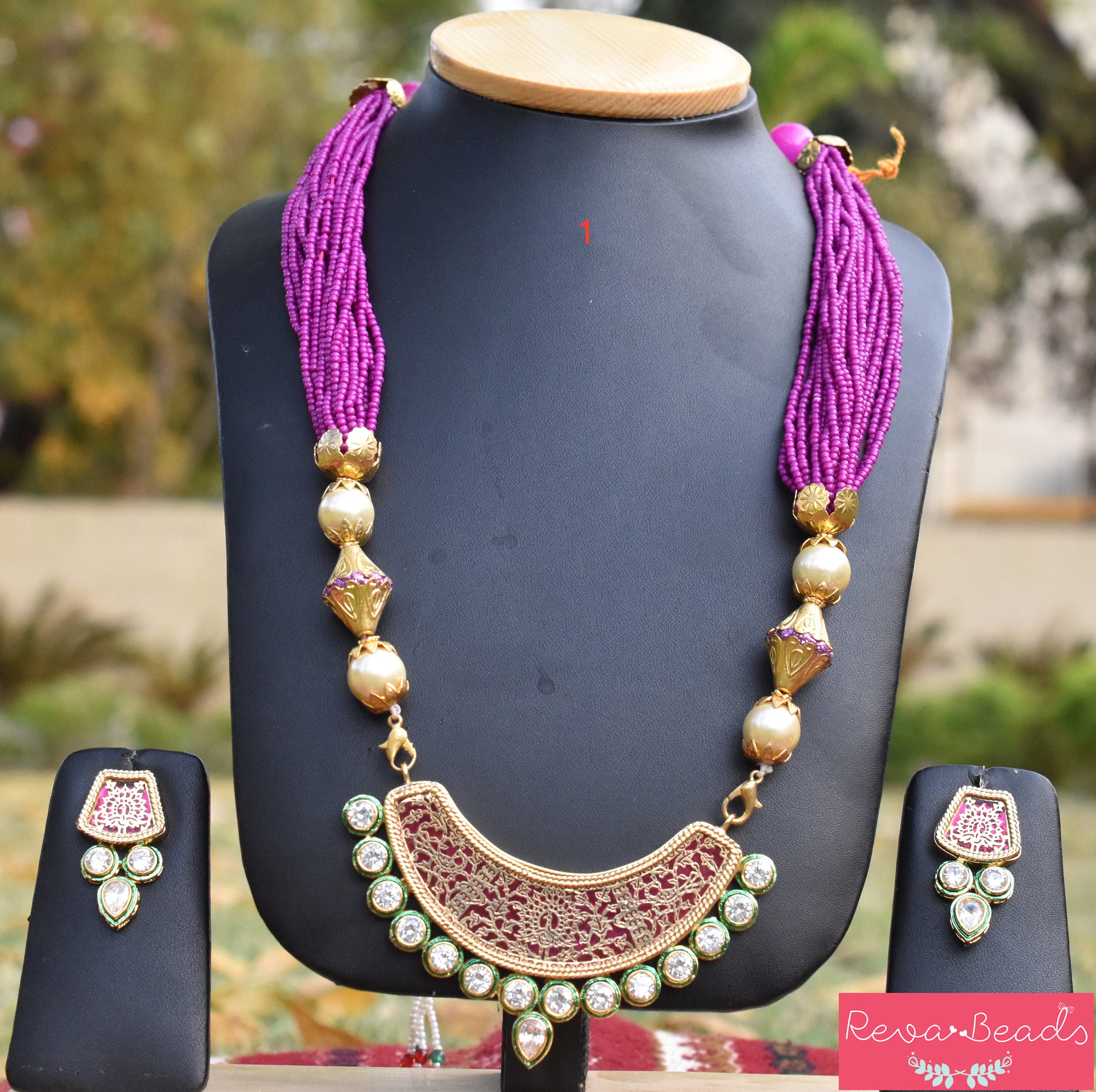 ada1504870790 Traditional Indian pendant earring sets with kundan, decorative brushed  beads, glass beads, seed beads with adjustable dori