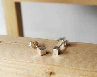 925 Sterling Silver Minimal Cube Earrings