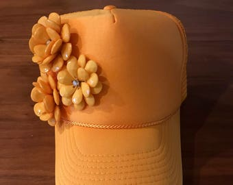Yellow Trucker hat with flower details