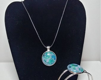 Pendant and Bracelet Combo