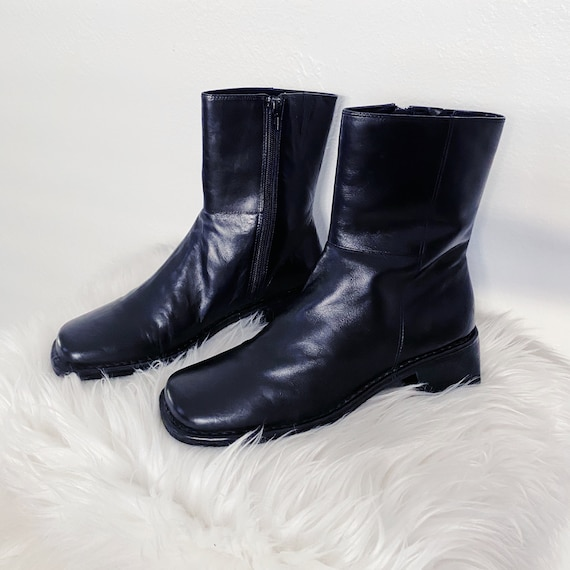 90s Minimalist Black Leather Square Toe Chunky Ank
