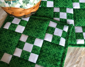 Lucky 9 Patch Pot Holders / Handmade Pot Holders / Hot Pads / St Patrick's Day / Cotton Quilted Pot Holders / Quilted Hot Pads