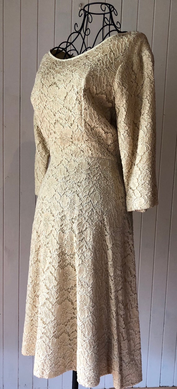 60s Cream lace dress with metal zipper - image 4