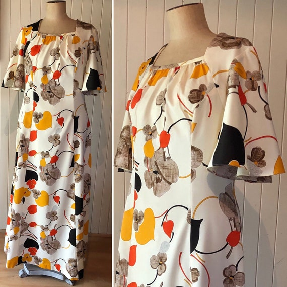 1970s floral maxi dress. Cream. Angel sleeves.  Bo