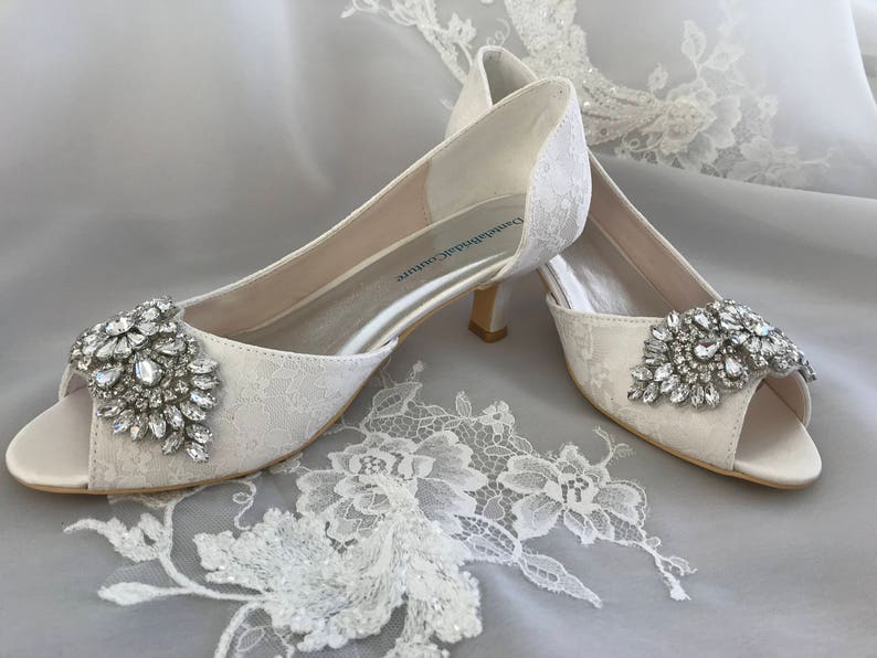 Custom wedding shoes ivory lace shoes for the bride low heel image 0