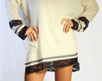 White tunic with Lace / Handmade / Unique / WB005