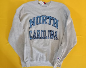 2bfcad74e2e1b Vintage CHAMPION North Carolina Sweatshirts Size M Medium