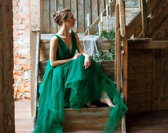 EMERALD - wedding dress with an open back. Dress is embroidered with beads.