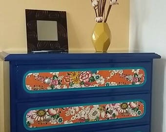 Vintage 90's dresser. version from the 70s!