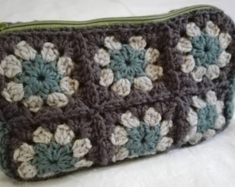 crochet granny square zippered pouch