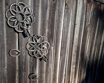 Horseshoe Garden Flower - LARGE