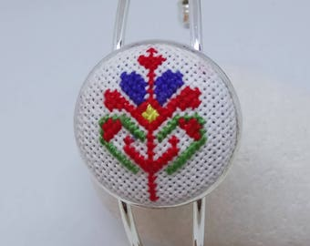 Bracelet with Bulgarian Etno Embroidery