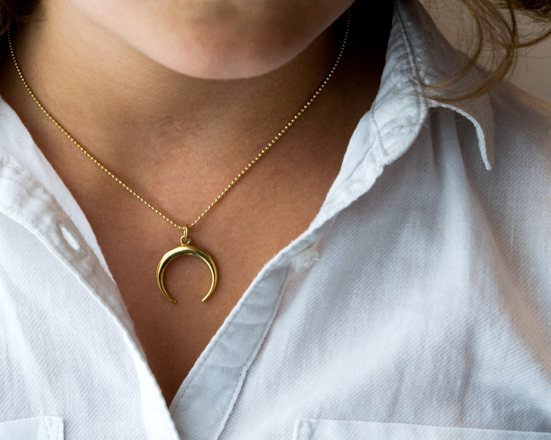 Double horn necklace Gold crescent moon necklace Ccc11b Sister in law gift Crescent moon necklace Gold horn necklace Protection amulet