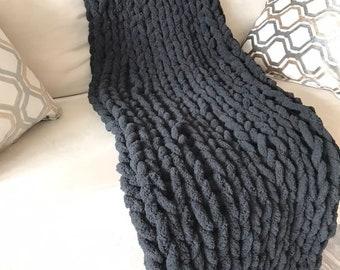 Soft Chunky Arm Knit Throw