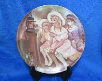 """1985 Vintage Collector Porcelain Plate """"Les enfants de la Fin au Siecle"""" Guignol au Luxembourg Limoges France"""