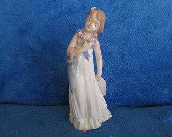Vintage flower girl porcelain figurine  Made in Spain Mallorca by Studio