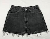 Levi 39 s, Women 39 s, VTG Orange tab ,Distressed, High Waist, Denim Shorts, Size 32