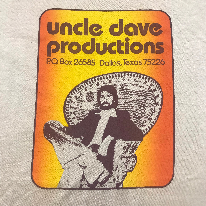 1970s Mens Shirt Styles – Vintage 70s Shirts for Guys Vintage 70S, Vintage Mens, Womans, Paper Thin, Hanes Beefy Tee, Tee Shirt $40.00 AT vintagedancer.com