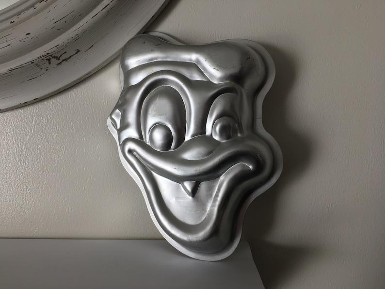9 X 7 1976 Donald Duck Walt Disney Aluminium Cake Pan