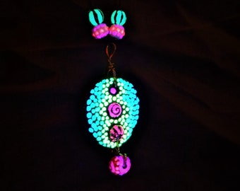 Blacklight chain pendant necklace Charm Festival jewelry avocado core carved painted dotted lights in black light