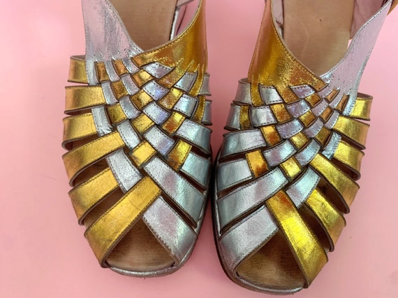 1940's Gold & Silver Sandals - Vintage 40's Two T… - image 6