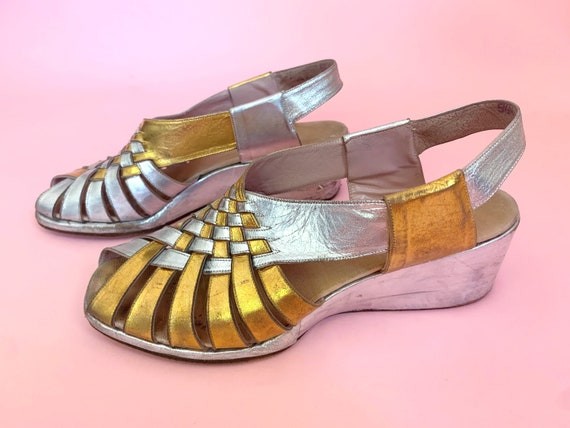 1940's Gold & Silver Sandals - Vintage 40's Two T… - image 2